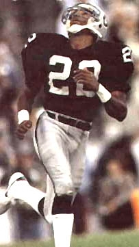 Oakland Raiders Hall of Fame Defensive Back Mike Haynes