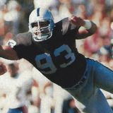 Greg Townsend, defensive end of the Oakland Raiders