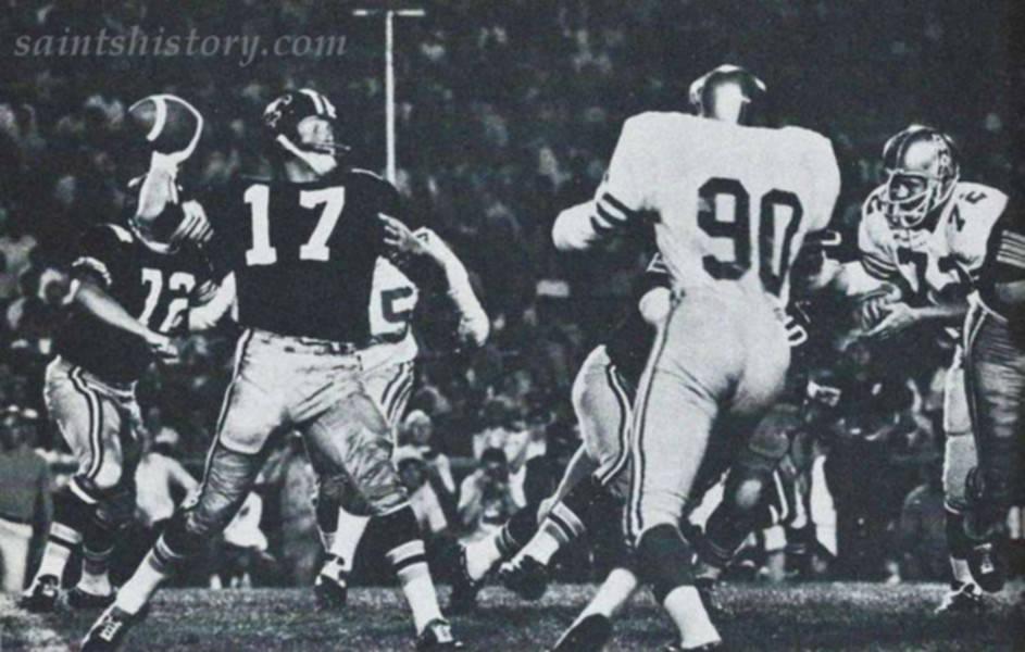 Billy Kilmer of the New Orleans Saints in a black helmet