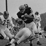 Steelers Defense pursues Jim Brown