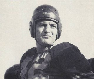 Read more about the article Sid Luckman