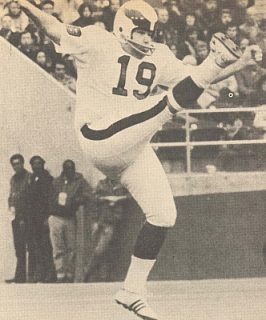 Read more about the article Tom Dempsey