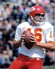 Read more about the article Len Dawson